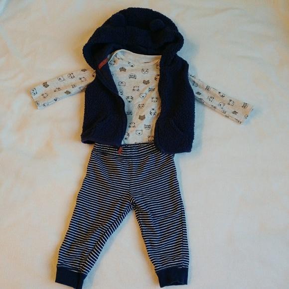 Carter's Other - 🌷3/$15🌷 Carter's navy hooded vest set